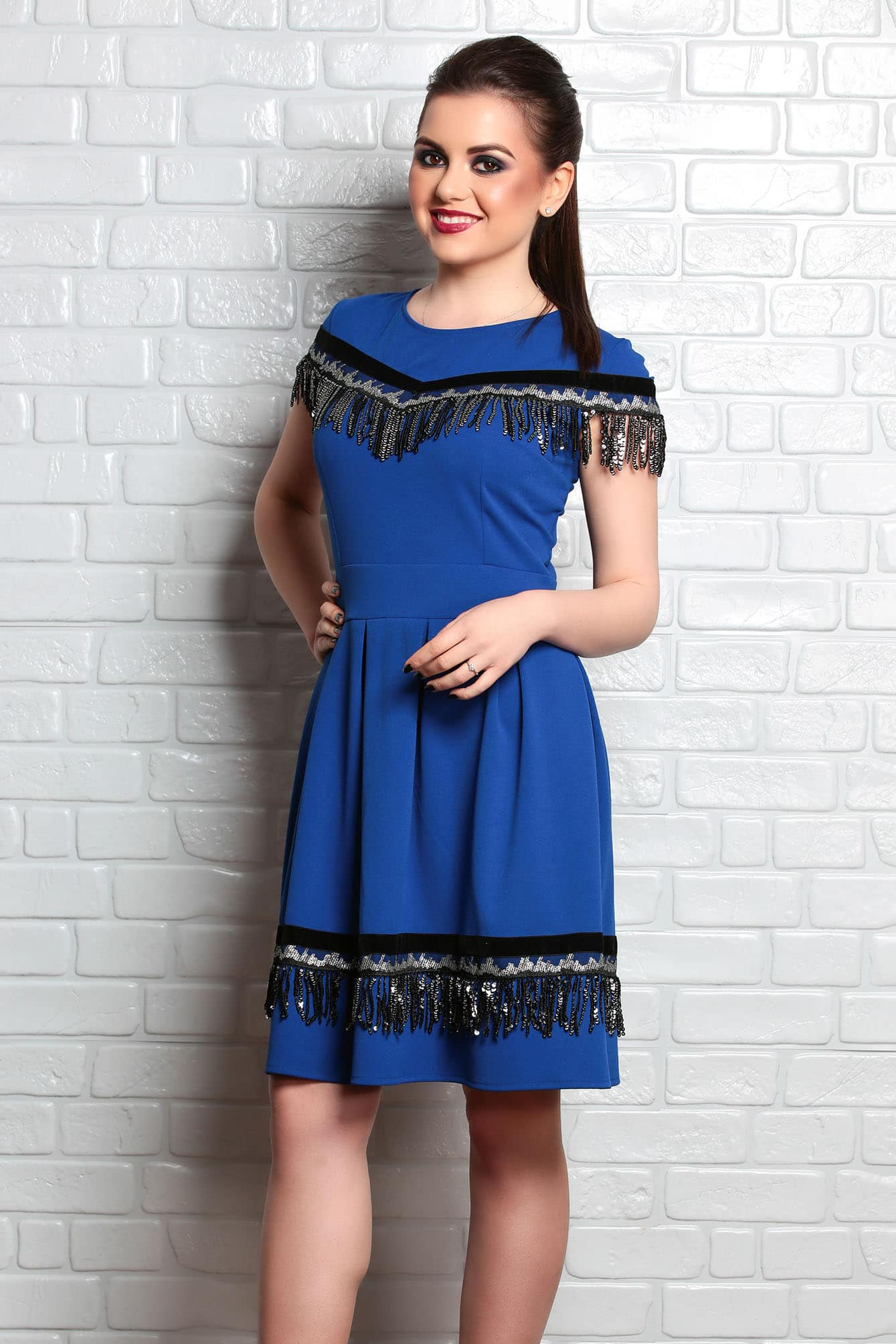 Rochie Traditionala Ilania Albastru In Clos Cu Motive Traditionale